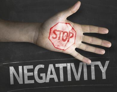 Comment mettre à distance ses pensées négatives?